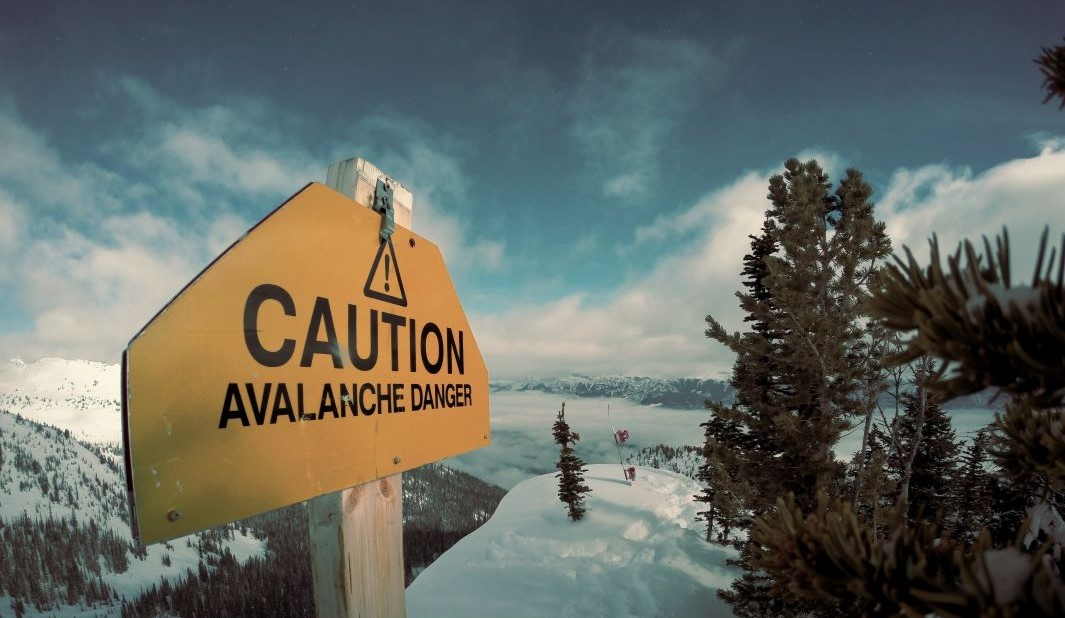Warning sign for Avalanche